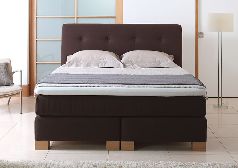 hochwertige boxspringbetten in ansprechenden designs schwerelos tr umen. Black Bedroom Furniture Sets. Home Design Ideas